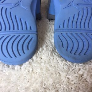 318045611e790 Jordan Shoes - Jordan Hydro series solarsoft slides size 12